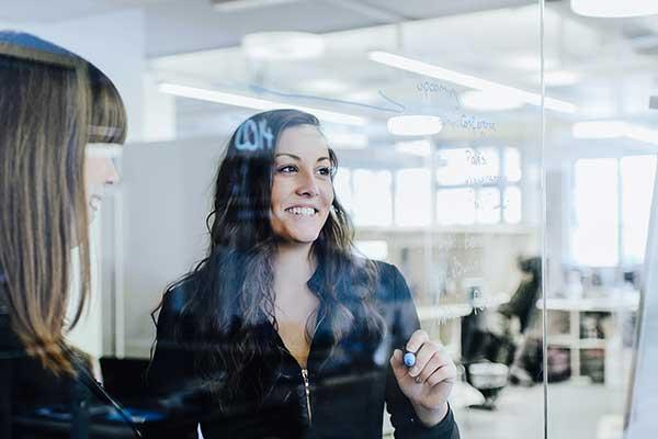 Businessfoto junge Frauen